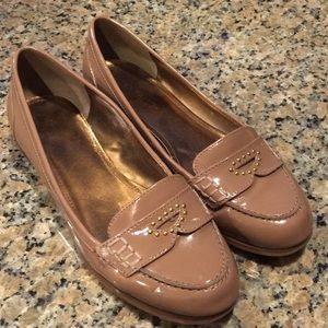 Good condition nude pink Ellen Tracy flats
